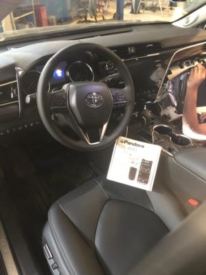 Установка электропривода багажника на Toyota Camry защита от угона